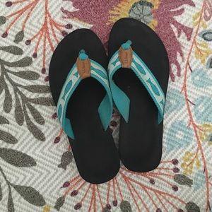 L.L. Bean size 9 flip flops